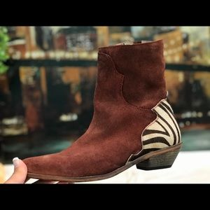 🛍Rare find! Free People Rugged Western Boot